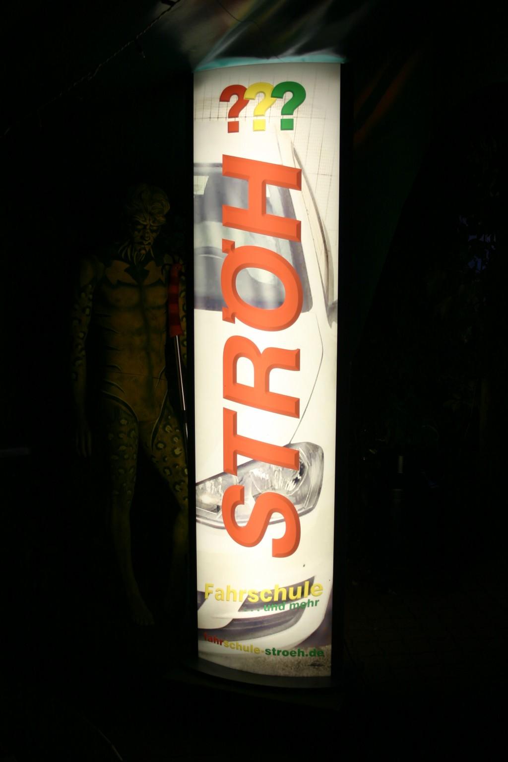 Stroeh-Leuchtpylone